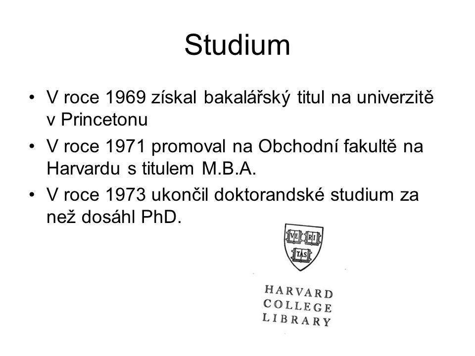 Studium V roce 1969 získal bakalářský titul na univerzitě v Princetonu