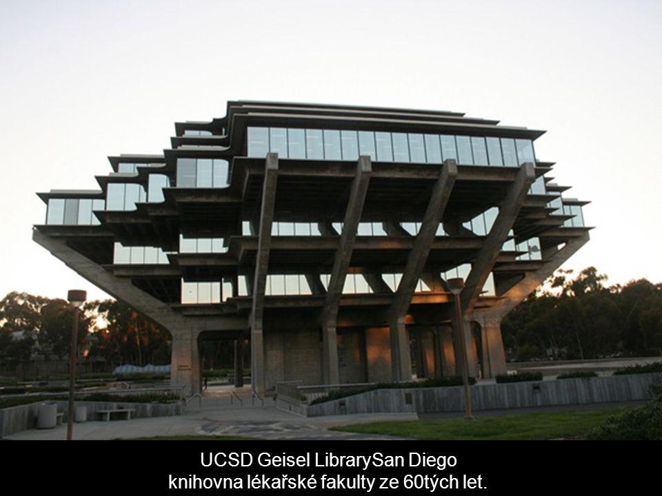 UCSD Geisel LibrarySan Diego knihovna lékařské fakulty ze 60tých let.