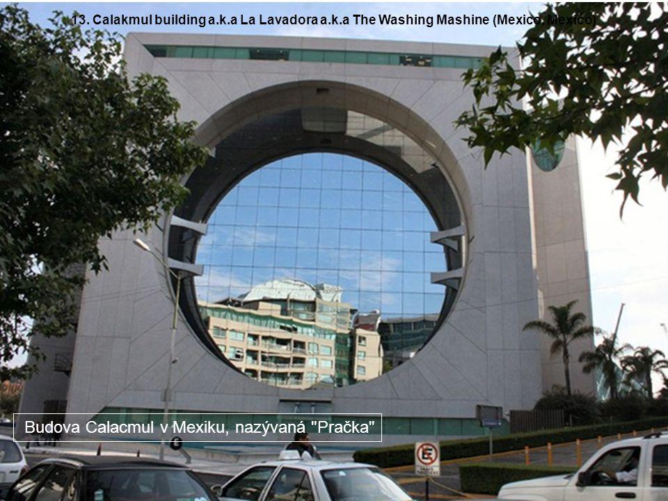 Budova Calacmul v Mexiku, nazývaná Pračka