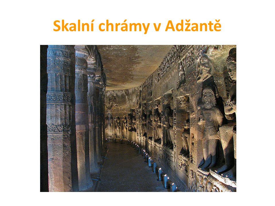 Skalní chrámy v Adžantě