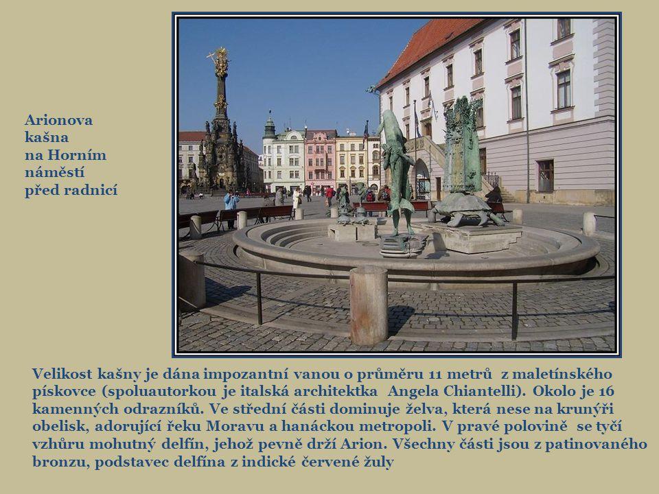 Arionova kašna na Horním náměstí. před radnicí.