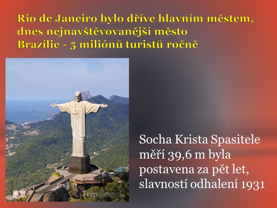 Socha Krista Spasitele měří 39,6 m byla postavena za pět let,