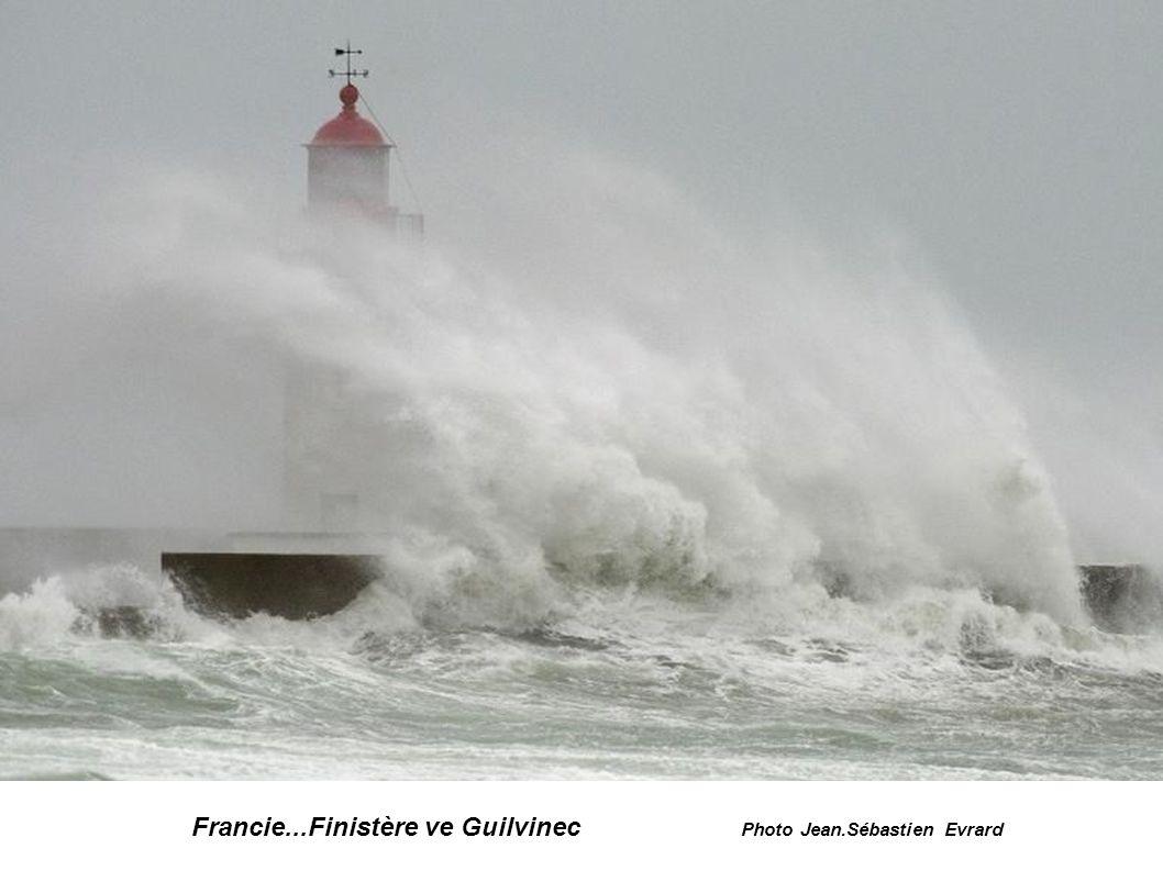 Francie...Finistère ve Guilvinec Photo Jean.Sébastien Evrard