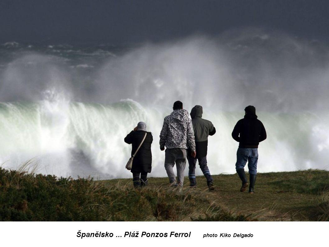 Španělsko ... Pláž Ponzos Ferrol photo Kiko Delgado