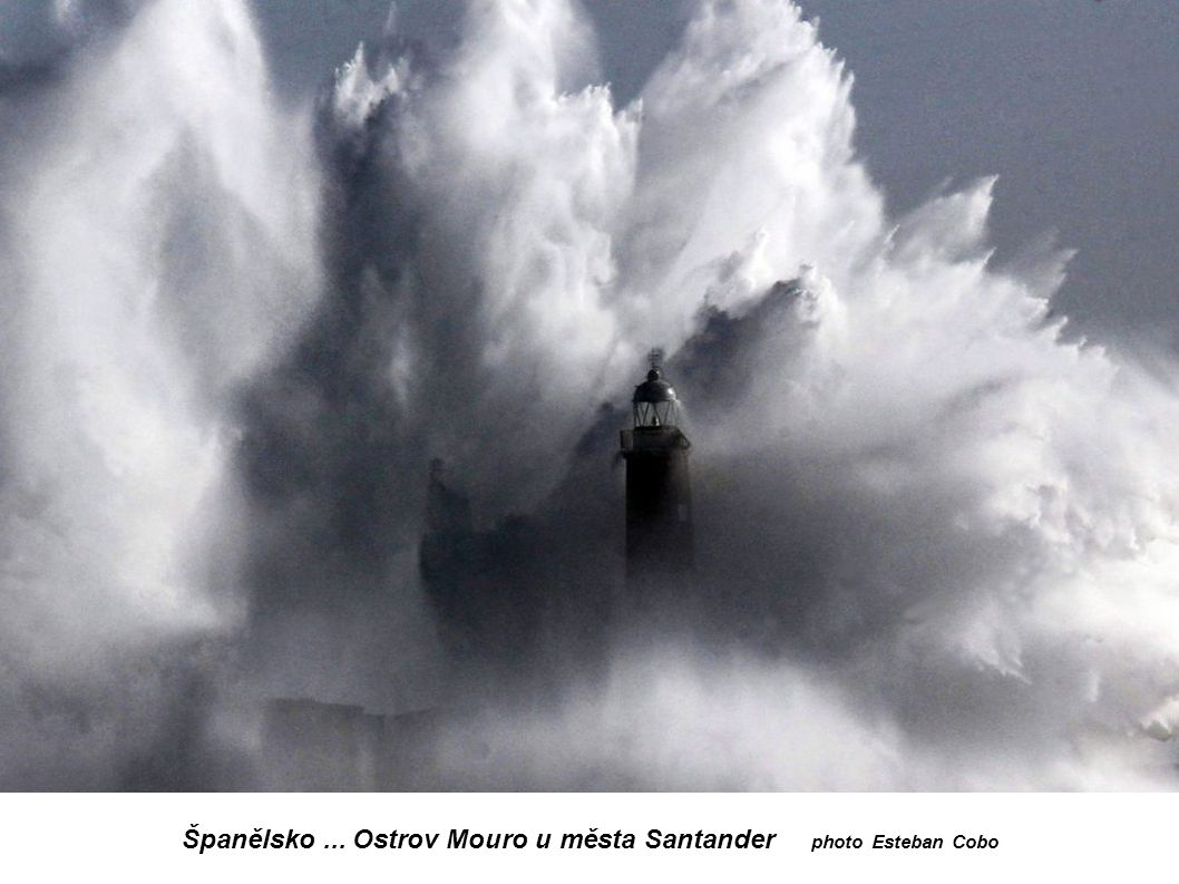 Španělsko ... Ostrov Mouro u města Santander photo Esteban Cobo