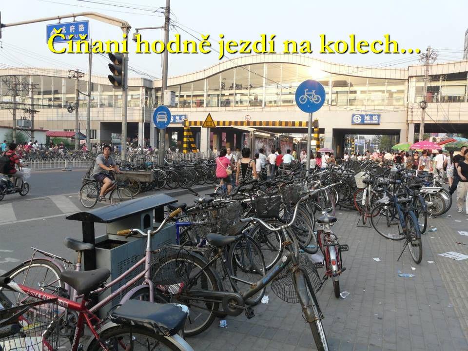 Číňani hodně jezdí na kolech...