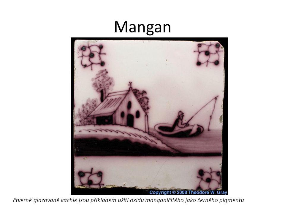 Mangan čtverné glazované kachle jsou příkladem užití oxidu manganičitého jako černého pigmentu
