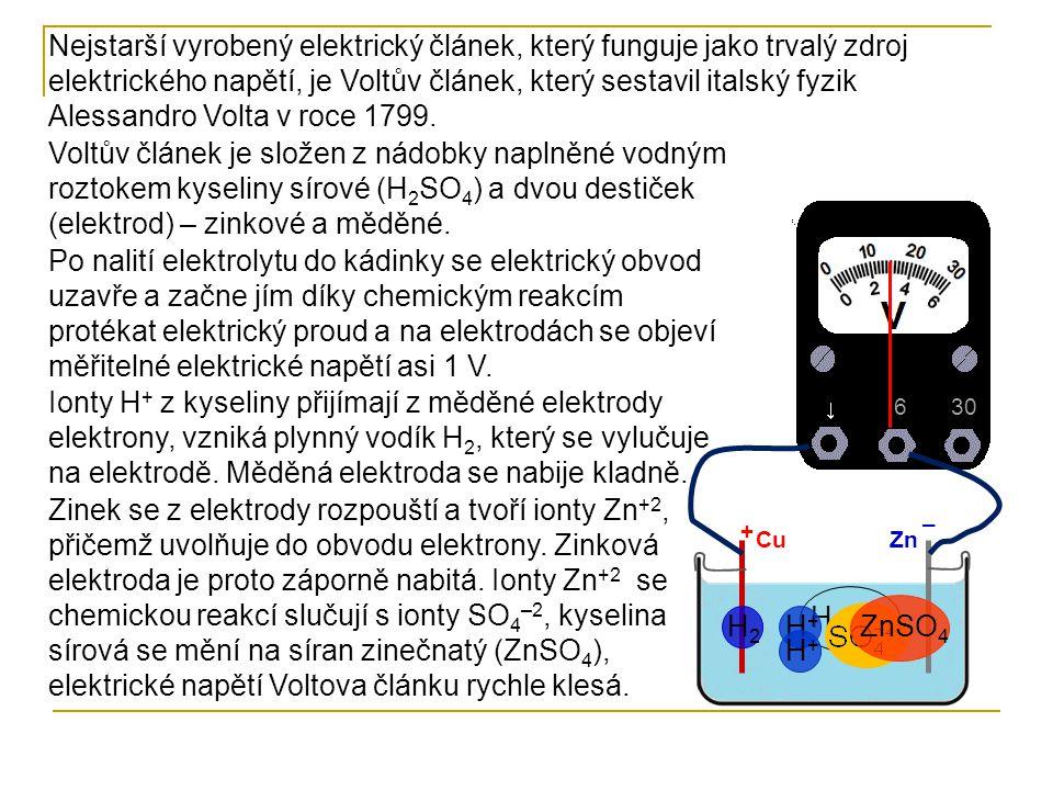Nejstarší vyrobený elektrický článek, který funguje jako trvalý zdroj elektrického napětí, je Voltův článek, který sestavil italský fyzik Alessandro Volta v roce 1799.