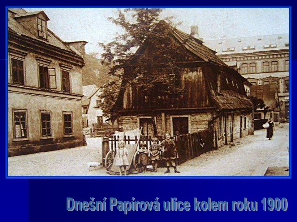 Dnešní Papírová ulice kolem roku 1900