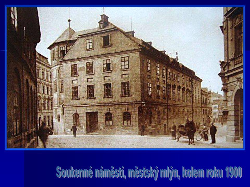 Soukenné náměstí, městský mlýn, kolem roku 1900