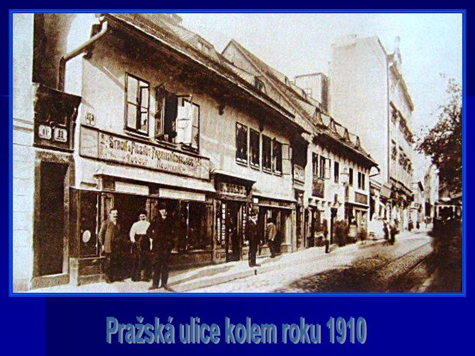 Pražská ulice kolem roku 1910