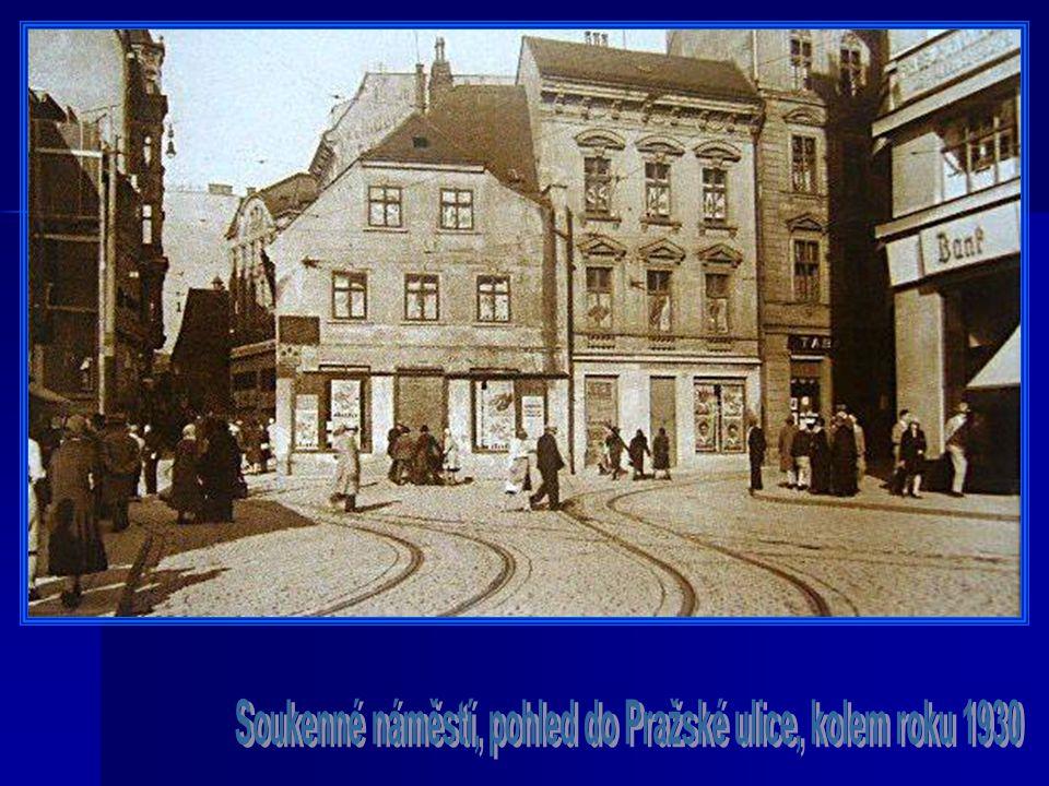 Soukenné náměstí, pohled do Pražské ulice, kolem roku 1930