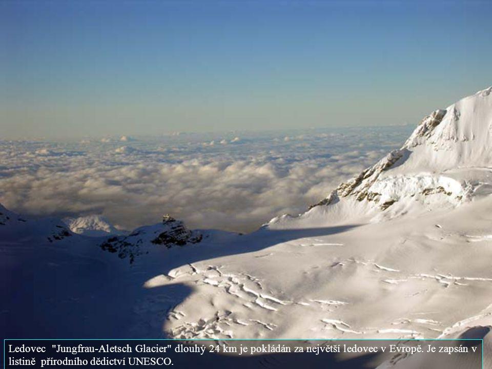 Ledovec Jungfrau-Aletsch Glacier dlouhý 24 km je pokládán za největší ledovec v Evropě.