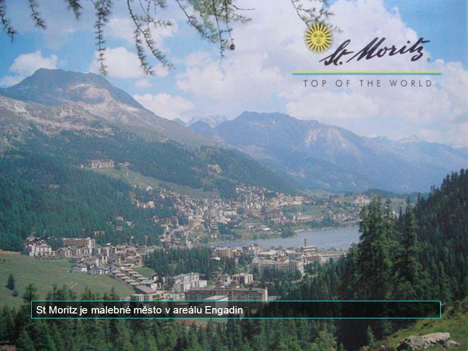 St Moritz je malebné město v areálu Engadin