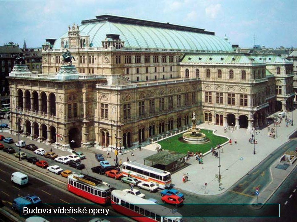 Budova vídeňské opery.