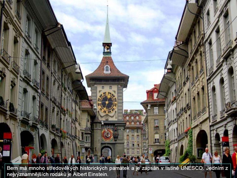 Bern má mnoho středověkých historických památek a je zapsán v listině UNESCO.