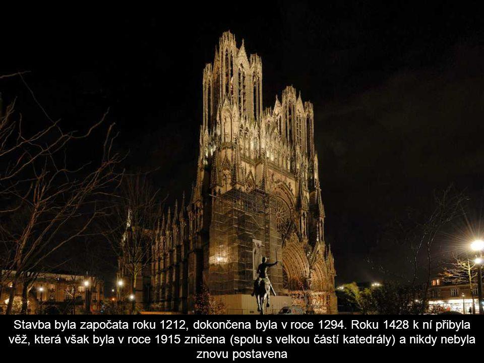 Stavba byla započata roku 1212, dokončena byla v roce 1294