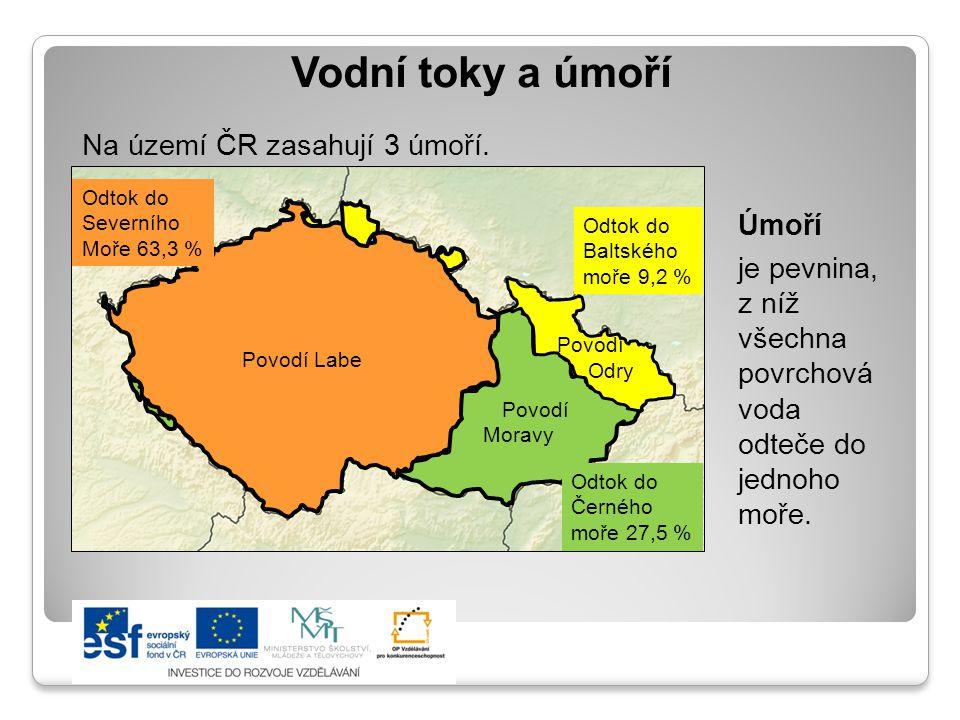 Vodní toky a úmoří Na území ČR zasahují 3 úmoří. Úmoří je pevnina,