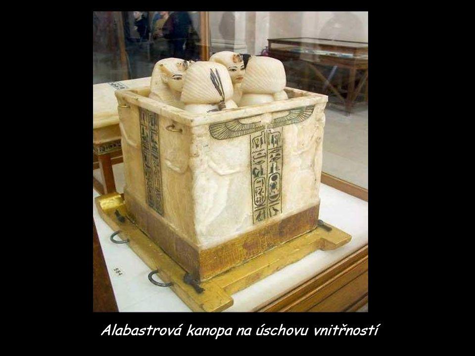 Alabastrová kanopa na úschovu vnitřností
