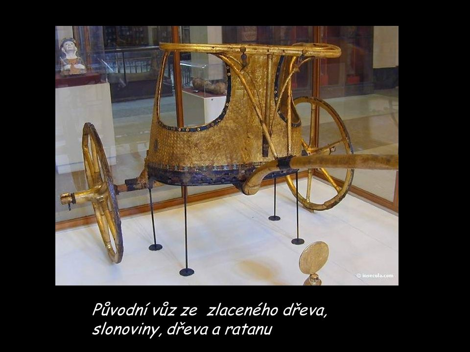 Původní vůz ze zlaceného dřeva, slonoviny, dřeva a ratanu