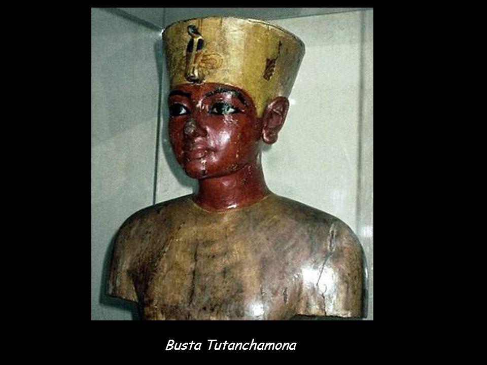Busta Tutanchamona