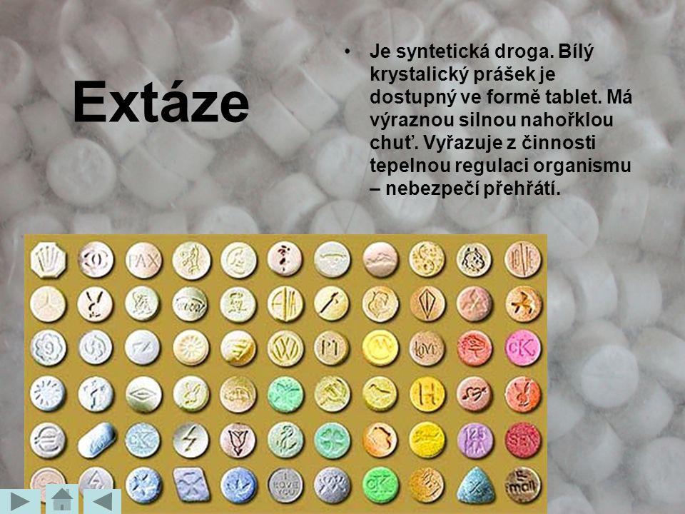 Je syntetická droga. Bílý krystalický prášek je dostupný ve formě tablet. Má výraznou silnou nahořklou chuť. Vyřazuje z činnosti tepelnou regulaci organismu – nebezpečí přehřátí.