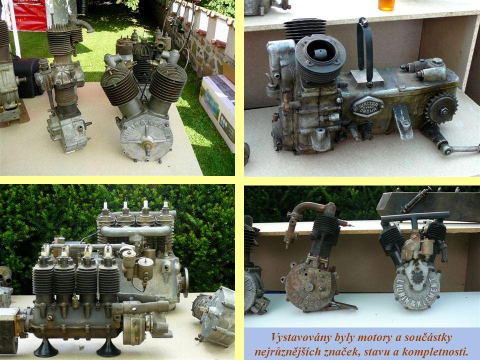 Vystavovány byly motory a součástky nejrůznějších značek, stavu a kompletnosti.
