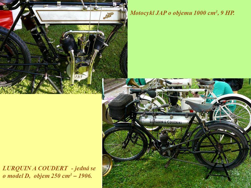 Motocykl JAP o objemu 1000 cm3, 9 HP.