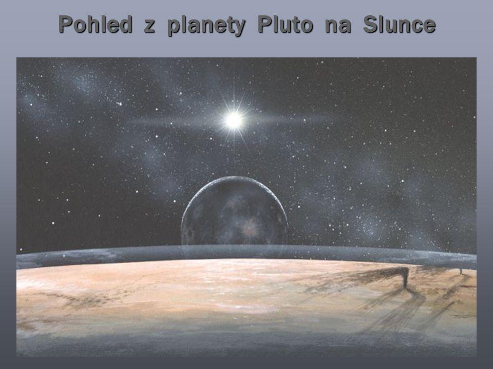 Pohled z planety Pluto na Slunce
