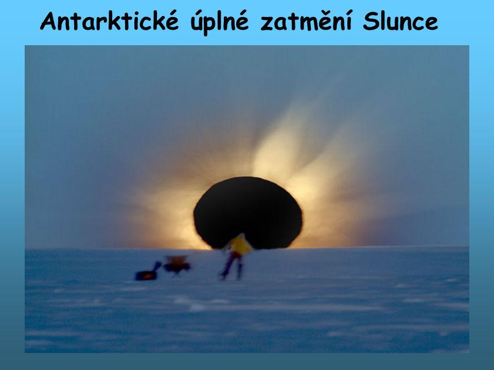 Antarktické úplné zatmění Slunce