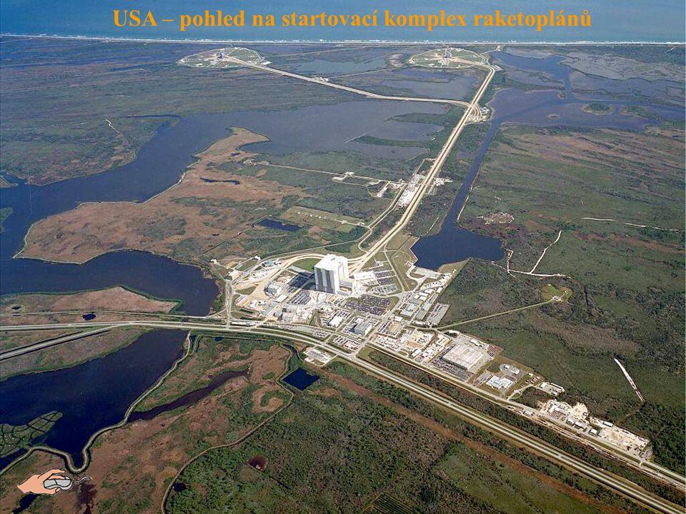 USA – pohled na startovací komplex raketoplánů