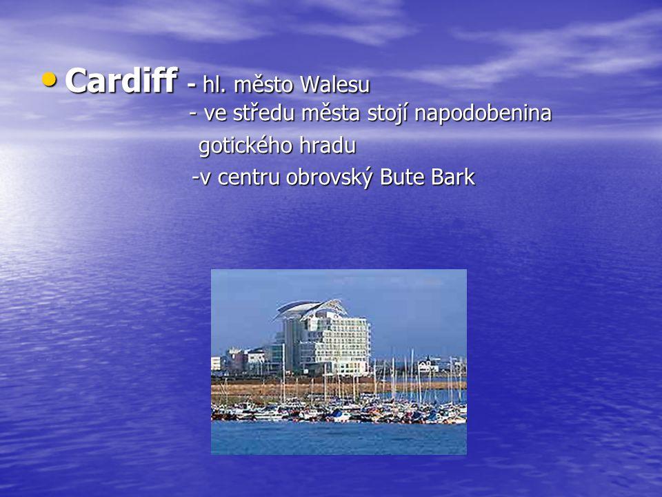Cardiff - hl. město Walesu - ve středu města stojí napodobenina