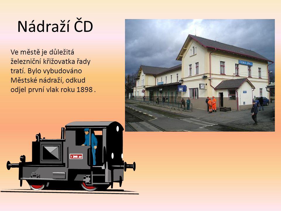 Nádraží ČD Ve městě je důležitá železniční křižovatka řady tratí.