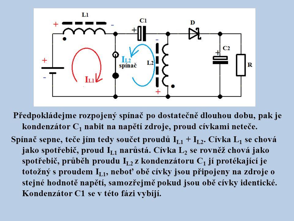 Předpokládejme rozpojený spínač po dostatečně dlouhou dobu, pak je kondenzátor C1 nabit na napětí zdroje, proud cívkami neteče.