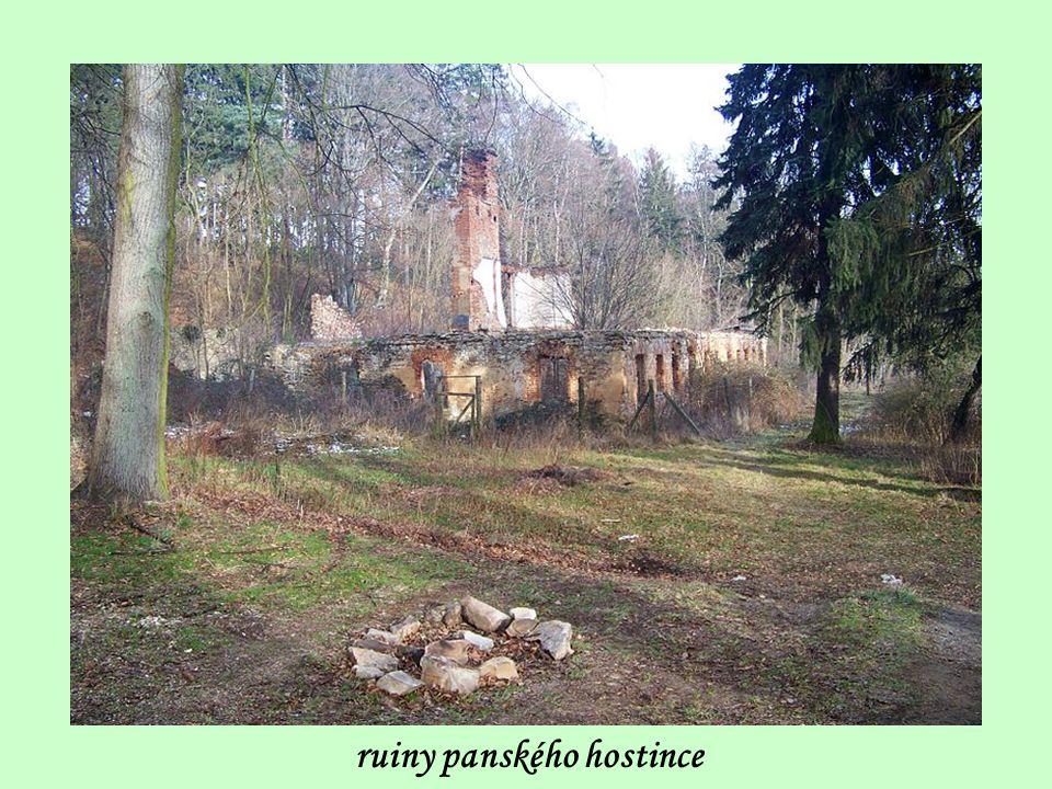 ruiny panského hostince
