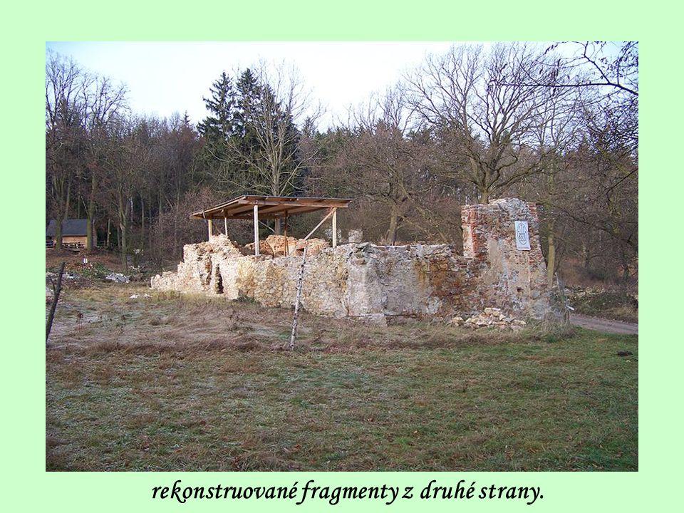 rekonstruované fragmenty z druhé strany.