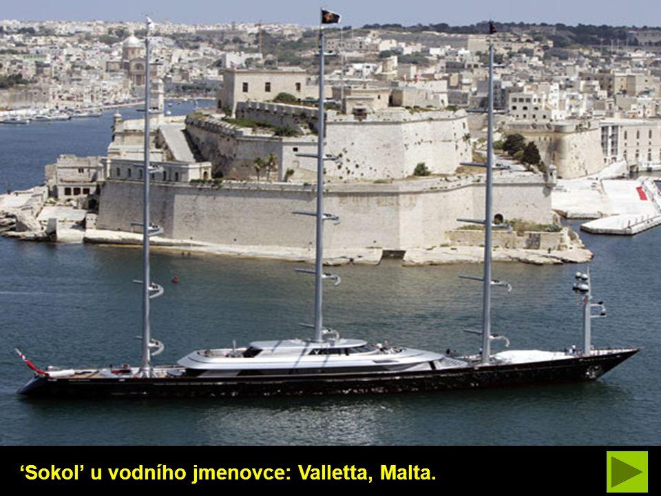 'Sokol' u vodního jmenovce: Valletta, Malta.