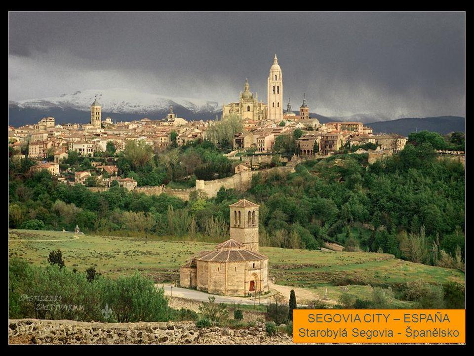 Starobylá Segovia - Španělsko