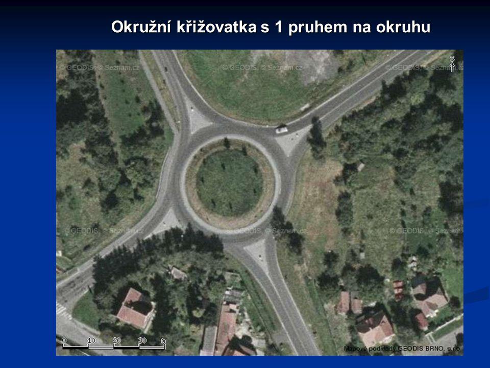 Okružní křižovatka s 1 pruhem na okruhu