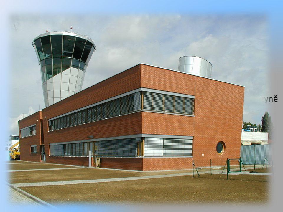 Výstavba nové moderní letištní věže