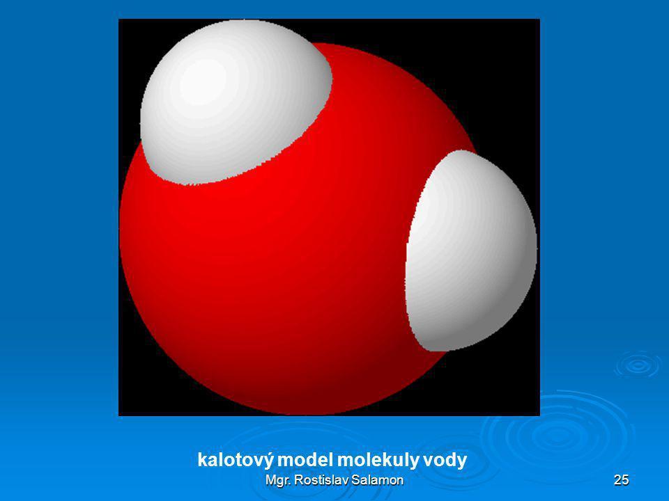 kalotový model molekuly vody