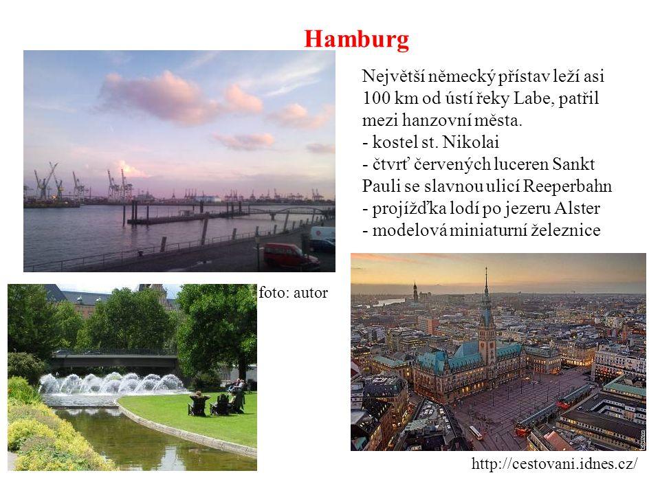Hamburg Největší německý přístav leží asi 100 km od ústí řeky Labe, patřil mezi hanzovní města. - kostel st. Nikolai.
