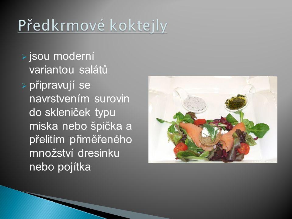 Předkrmové koktejly jsou moderní variantou salátů