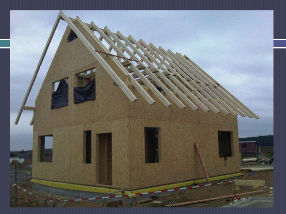Ploché střechy je třeba odvodnit (odvést srážkovou vodu) ze střechy do dešťové kanalizace