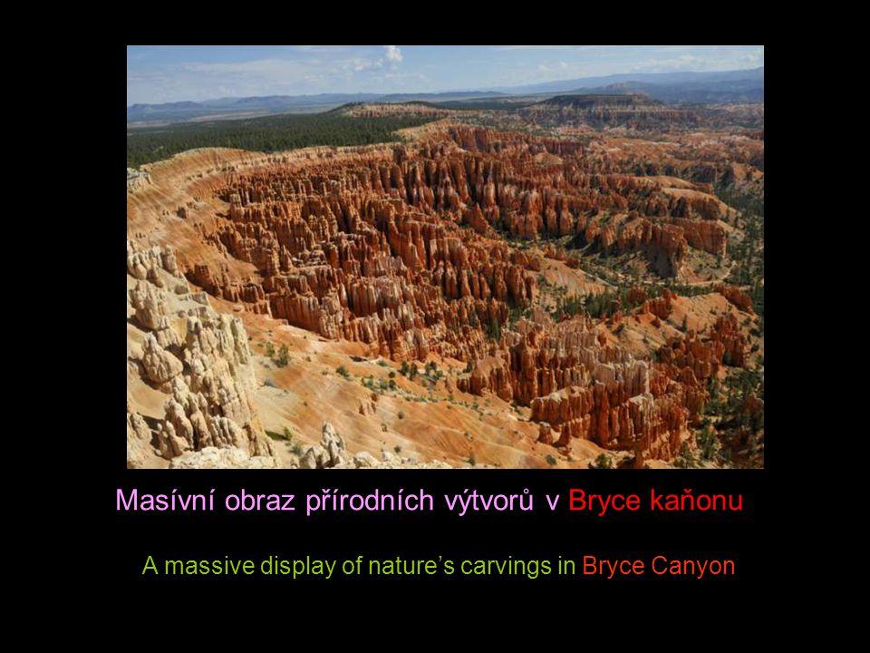 Masívní obraz přírodních výtvorů v Bryce kaňonu