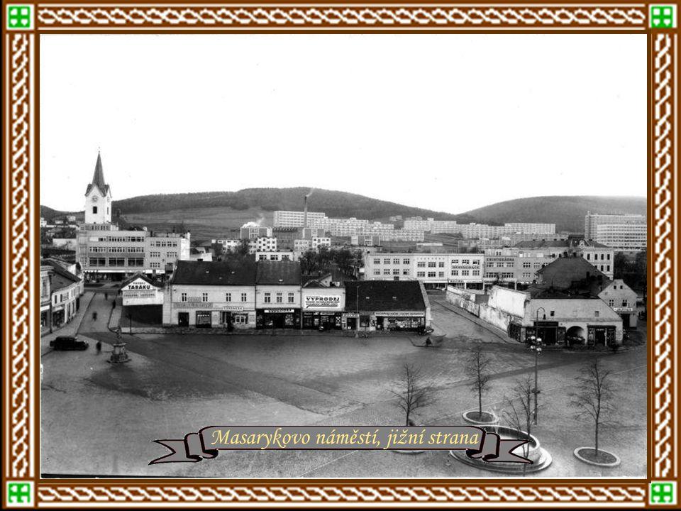 Rašínova ulice – rok 1930 Masarykovo náměstí, jižní strana
