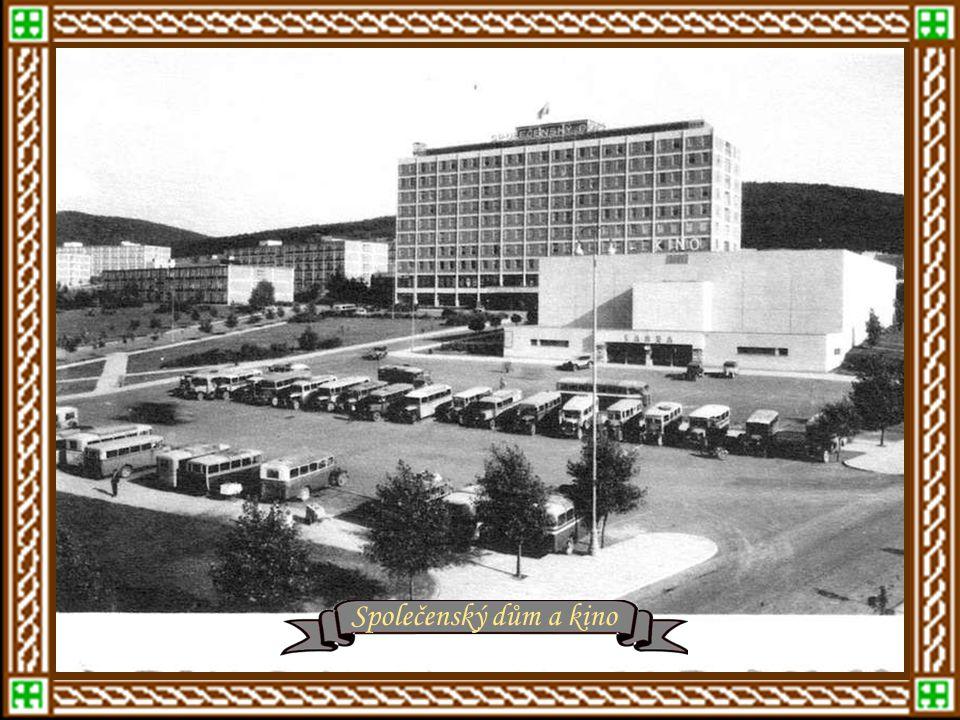 r.1932 - Obchodní a vzadu Společenský dům