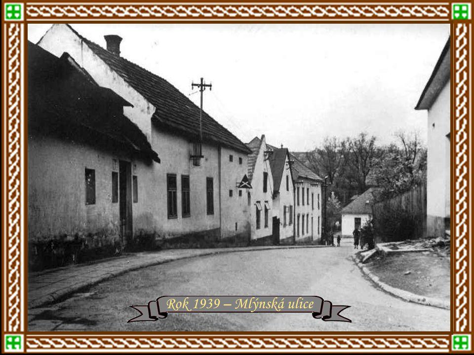 """r.1939 """"Mrakodrap - nová administrativní budova Baťových závodů"""