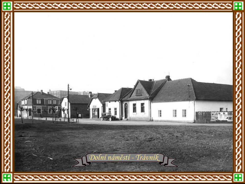 Zlín v letech 1920 - 1930 Dolní náměstí - Trávník