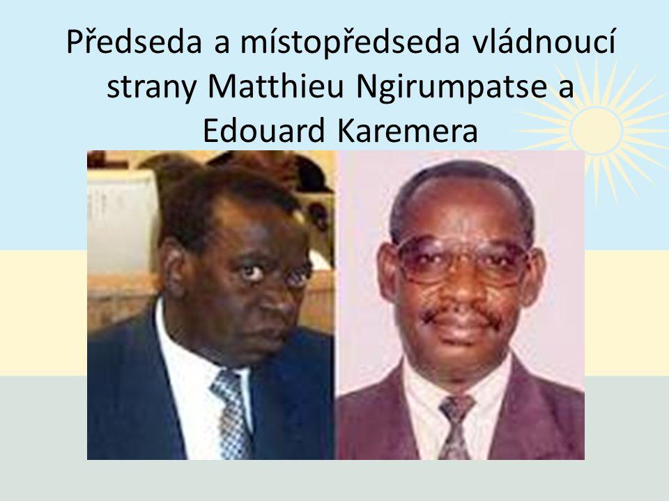 Předseda a místopředseda vládnoucí strany Matthieu Ngirumpatse a Edouard Karemera